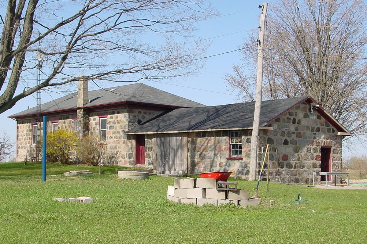 Paris Stone Farmhouse MARTIN DESIGN GROUPMARTIN DESIGN GROUP