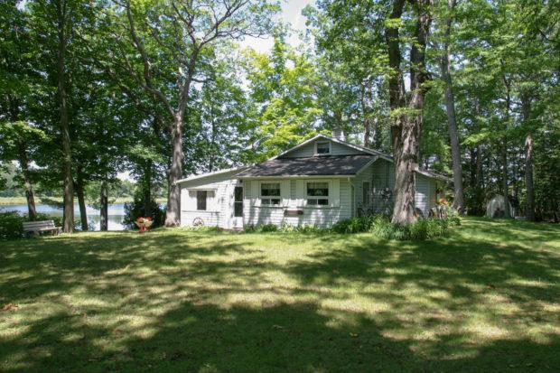 pine-cottage-123
